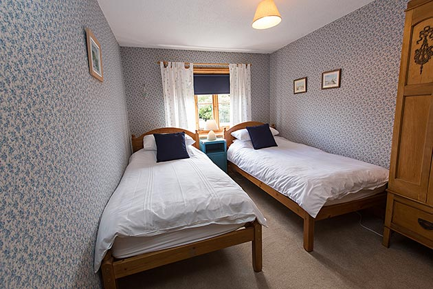 China Cottage's twin bedroom