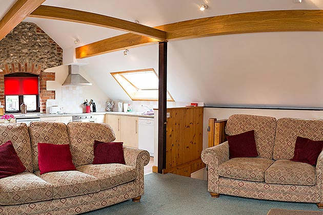 Lapwing Cottage's lounge