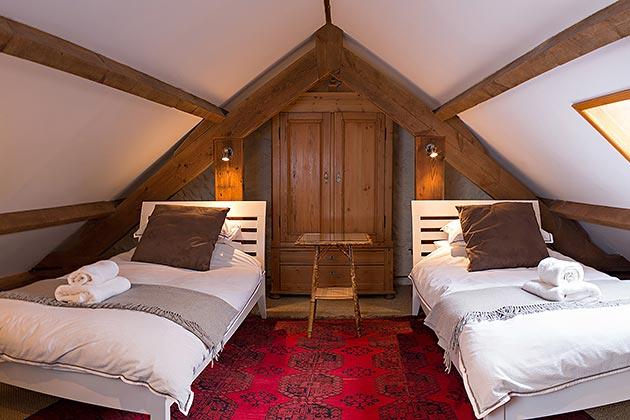 Rosedale Barn Cottage's twin bedroom on mezzanine