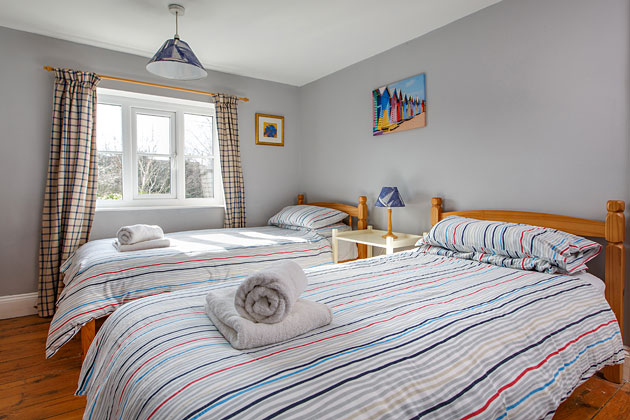 Driftwood Cottage's twin bedroom
