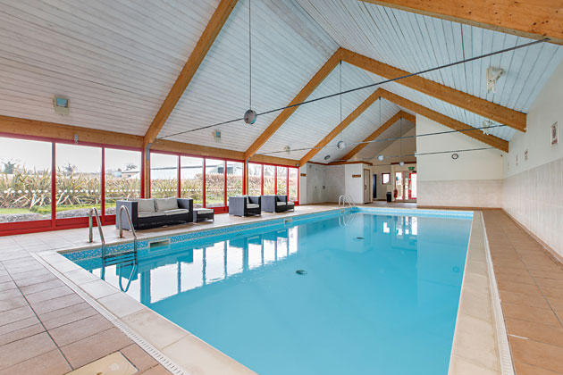 Shared facilities home farm holiday cottages weybourne - Holiday homes with indoor swimming pool ...
